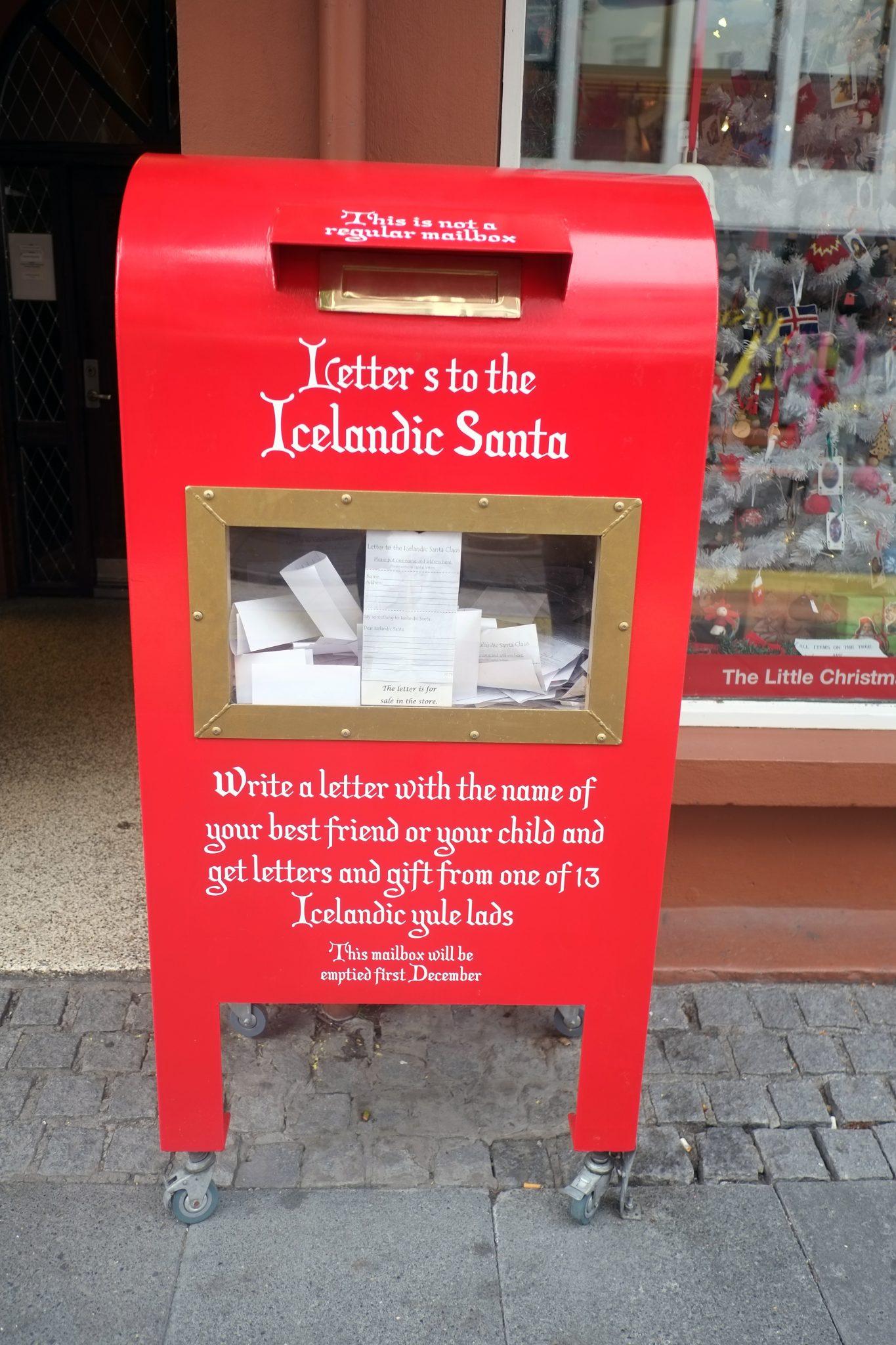 Weihnachtsmann Island Reykjavik Cityguide