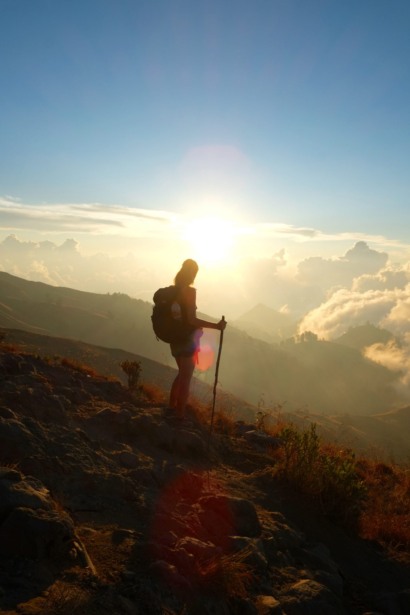 Sonnenuntergang in den Bergen vor Rinjani