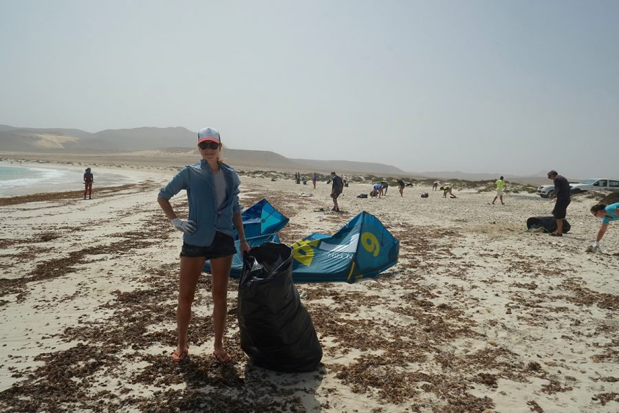 Kitesurfer Beach Clean Up