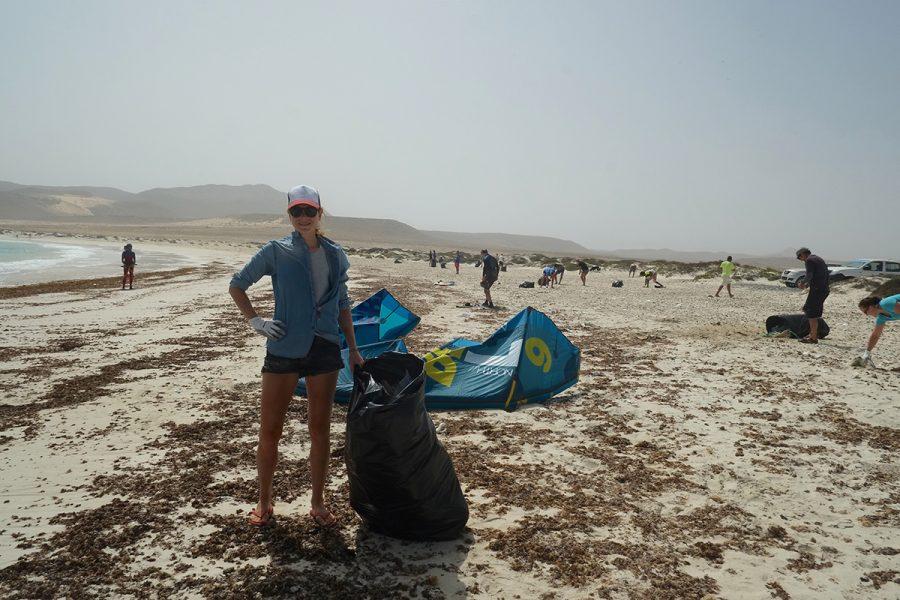 Kitesurfer Beach Clean Up